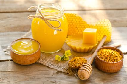 Miel-propolis-gelée royale-pollen